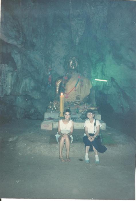 Wat Tham Khao Pun, Kanchanaburi 1988 001