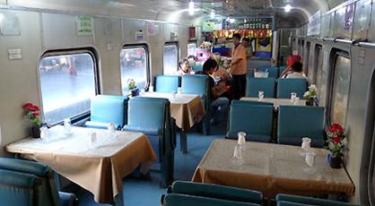 Thailand-train-restaurant-c